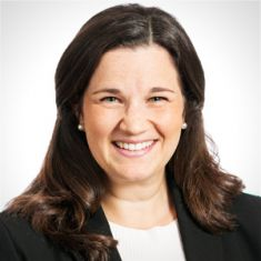 Julia Elitzer headshot