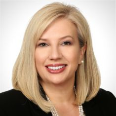 Dana McHugh headshot